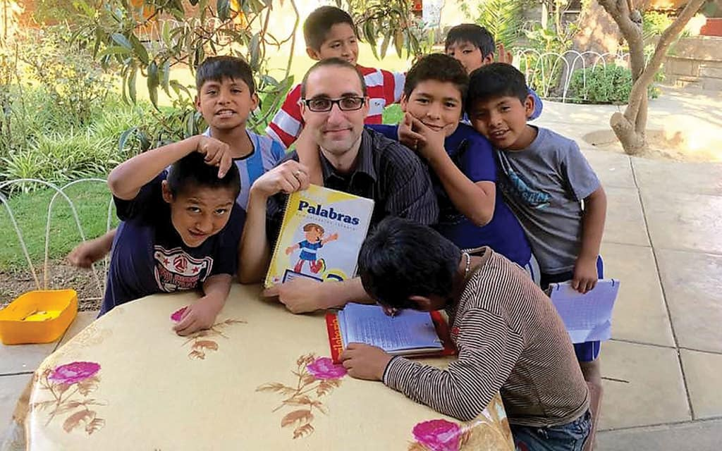 Maryknoll brother candidate learns to be a missioner in Bolivia