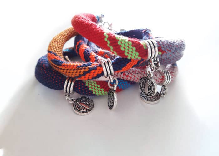 Bracelets made at Acomujerza are out of hand-woven Salvadoran cloth. (Melissa Altman/El Salvador)