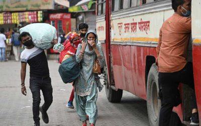 Migrant Exodus in New Delhi as Lockdown Starts